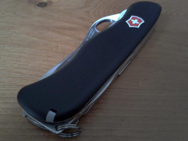 Ma collection Victorinox et wenger. [par Lucke] 2013-06-15-19.02.08-3ef4b6a
