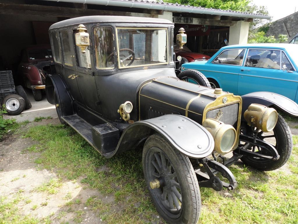 Les renault d 39 avant guerre visite d 39 un garage - Garage renault angouleme ...