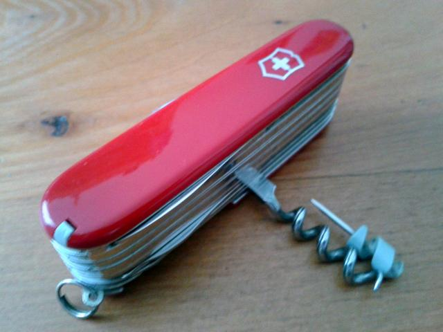 Ma collection Victorinox et wenger. [par Lucke] 2013-08-07-13.07.23-401176c