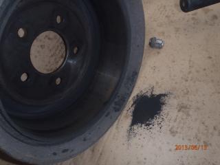 Des freins a tambours, c'est simple. P6130005-40d0c10