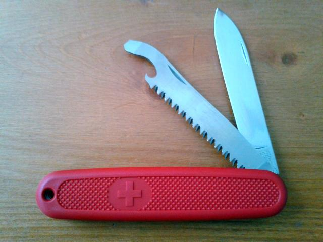 Ma collection Victorinox et wenger. [par Lucke] 2013-08-09-17.57.08-401d198