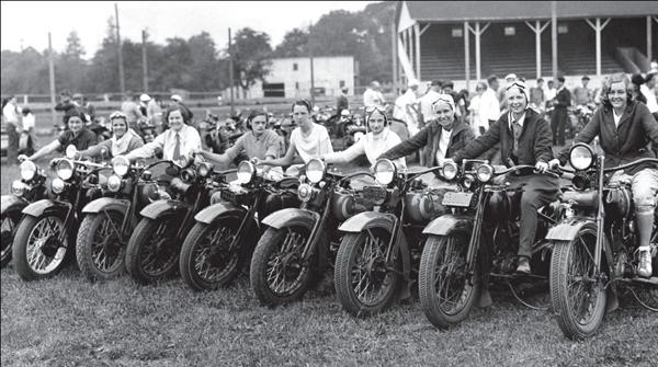 Vieilles photos (pour ceux qui aiment les anciennes photos de bikers ou autre......) - Page 3 Wom-42c8ef4