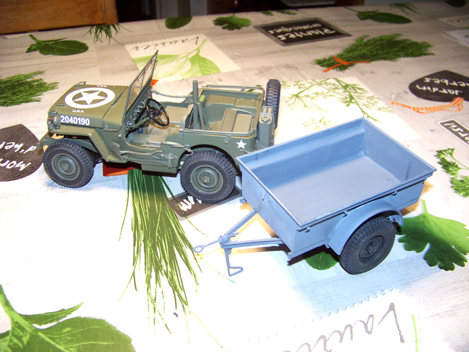 Jeep Danbury 1/16e, motorisée Sumo + remorque Bantam 1/4 t 100_2859-42e47be