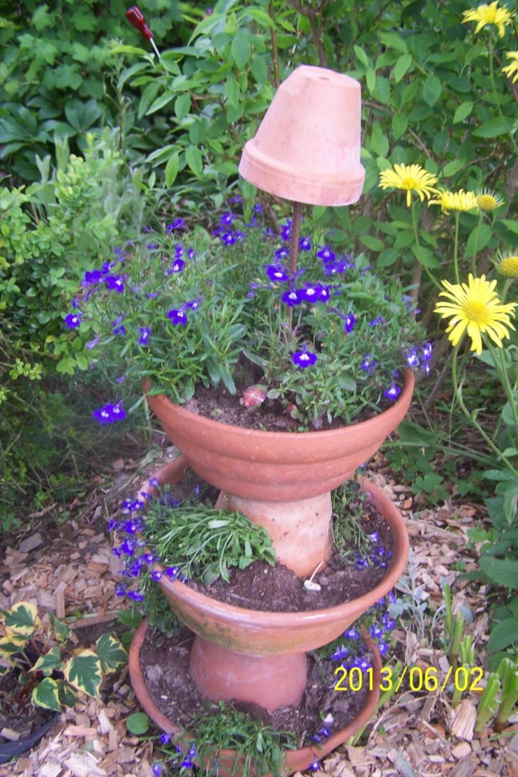 Le montage diff re un peu for Sujet de decoration de jardin