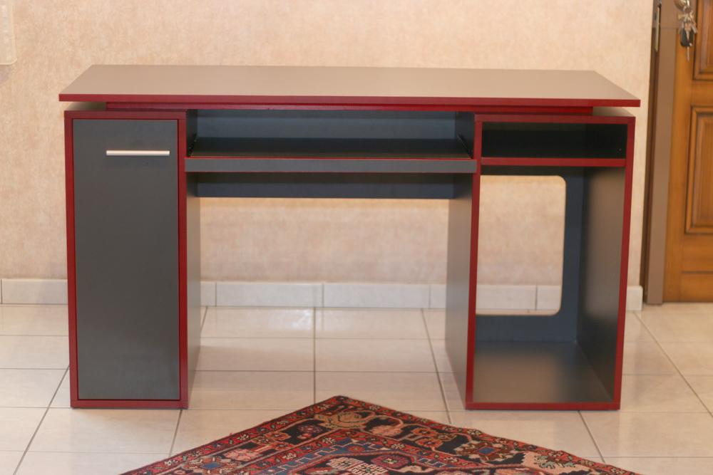 forum association les copeaux un bureau aux lignes contemporaines. Black Bedroom Furniture Sets. Home Design Ideas