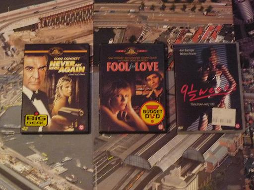 quelques VHS / DVD liés à James Bond ou aux James Bond Girls 210-p1130440-42dd5fb