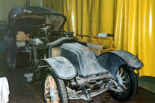 Les renault d 39 avant guerre type dg 37533 victoria for Garage renault rots