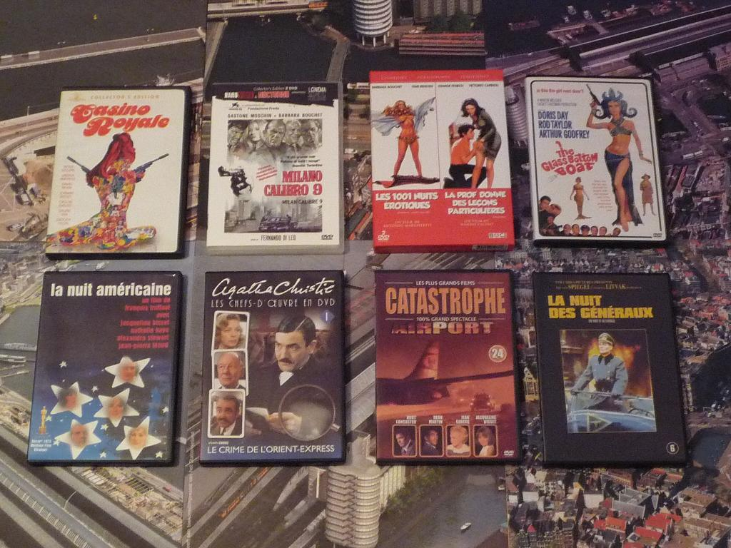 quelques VHS / DVD liés à James Bond ou aux James Bond Girls 201b-p1130742-42dd770