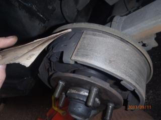 Des freins a tambours, c'est simple. P9110007-40d0ba6