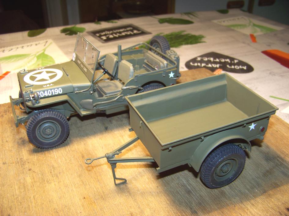 Jeep Danbury 1/16e, motorisée Sumo + remorque Bantam 1/4 t 100_2863-42eb10e