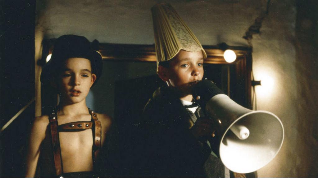 Enfance au cinéma :: Le garçon qui marchait à reculons ( 1994 )