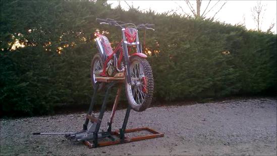 Leve moto maison ventana blog - Table leve moto hydraulique ...